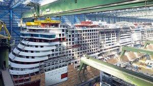 AIDAnova verlässt die Werft in Papenburg