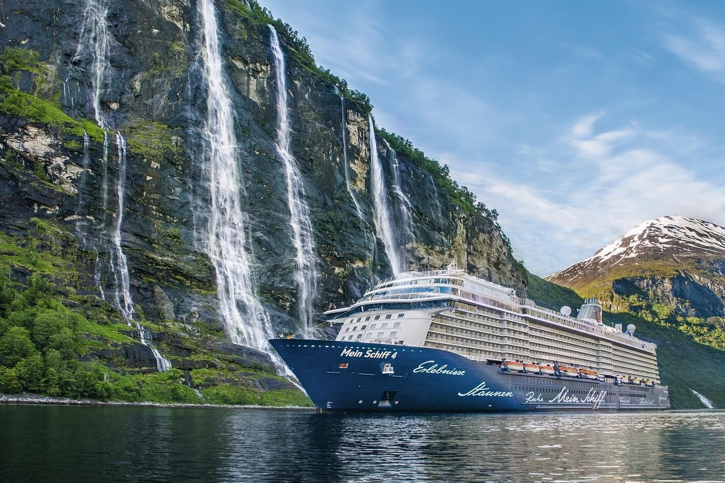 Read more about the article TUI Cruises bezieht ab 2020 Landstrom und reduziert Emissionsausstoß während der Liegezeiten